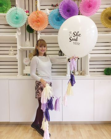 Picture for category Pom Poms, Lanterns and Fans