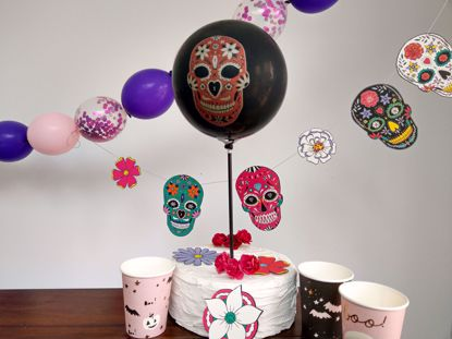 Picture of Balloon Cake Topper Halloween Skeleton