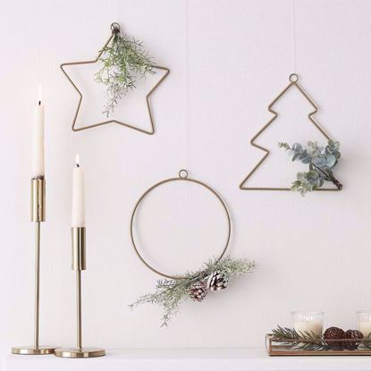 Picture of HANGING CHRISTMAS HOOP DECORATIONS & FOILAGE