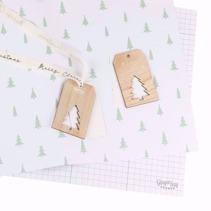 Picture of CHRISTMAS WRAPPING PAPER WITH RIBBON AND WOODEN TAG